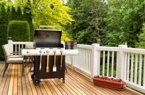 custom deck design contrasting colors