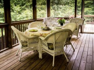 Signs That Your Home Needs a New Deck