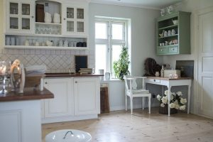 Kitchen Remodeling Basics: All About Cabinet Refacing
